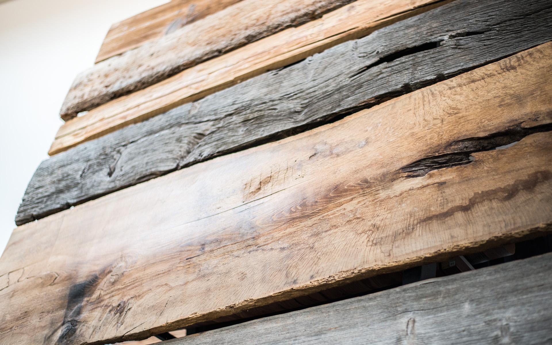 Massivholz Wand